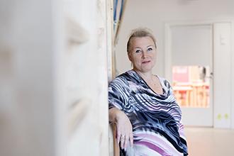 Gina Liljeberg-Karlsson basar för ett livscykeldaghem med 140 barn och 21 vuxna. Planlösningen är flexibel och huset kan vid behov enkelt byggas om.