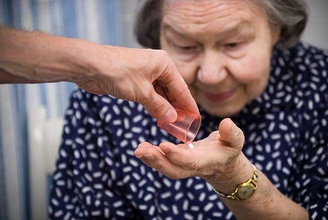 lääkkeen jako vanhukselle