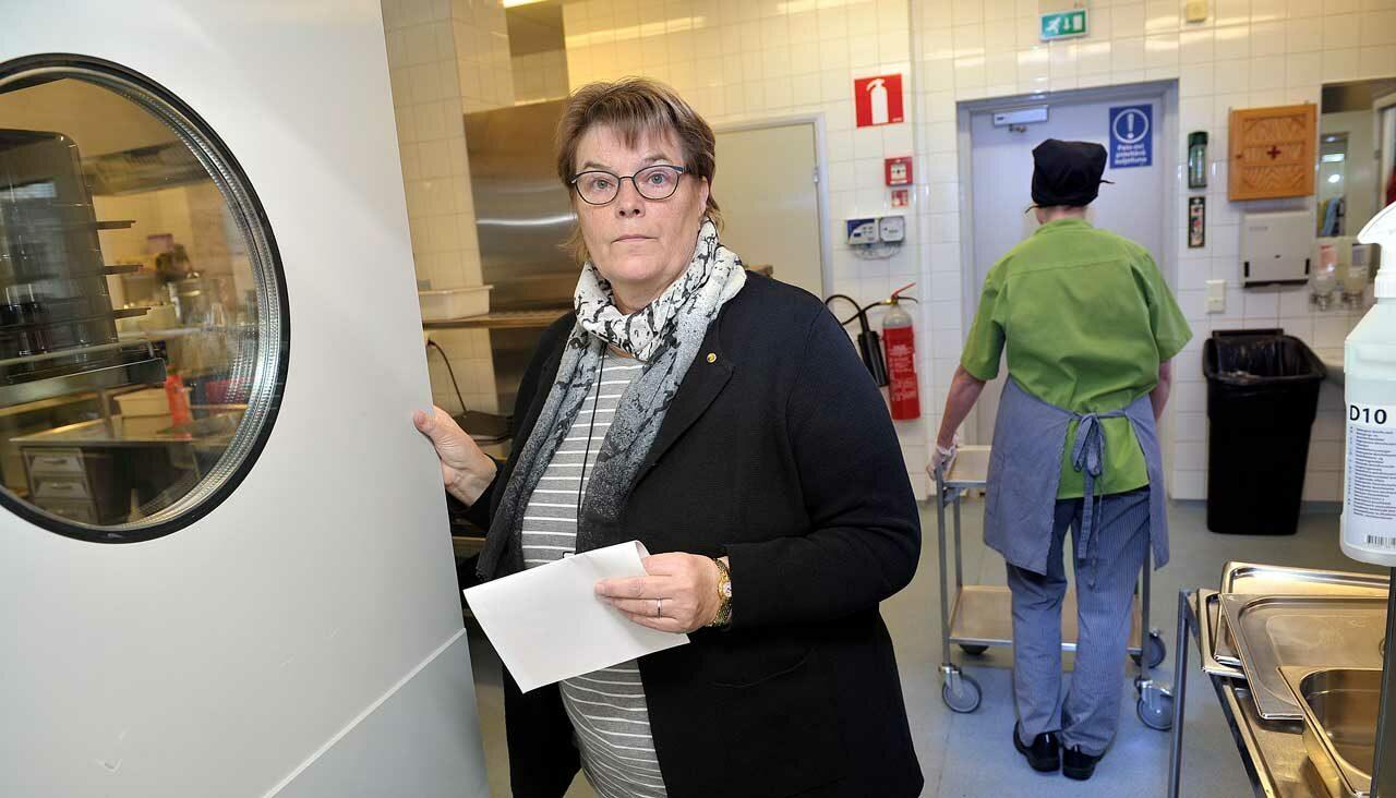 Raumallla karu palkka-ale uhkaa satoja pienipalkkaisia. Pääluottamusmies Marjo Justén järkyttyi.