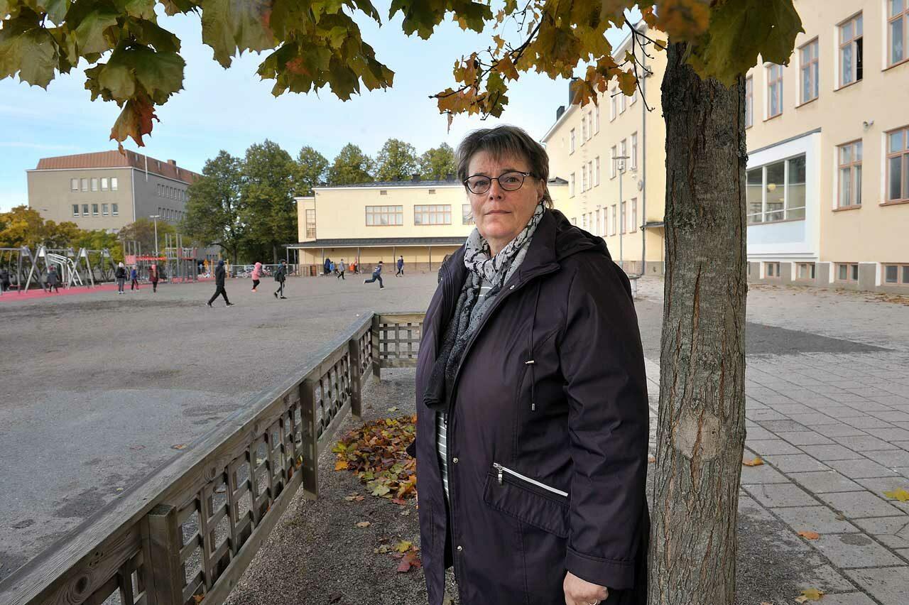 Raumalla karu palkka-ale uhkaa satoja pienipalkkaisia. Pääluottamusmies Marjo Justén järkyttyi.