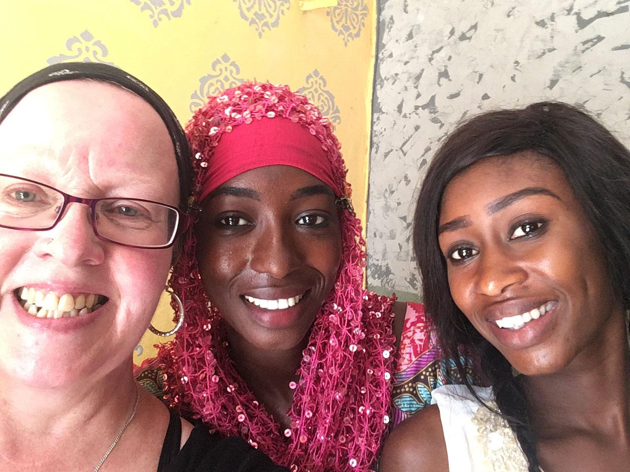 Aikuisopiskelija Sointu Conde työharjoittelussa Senegalissa