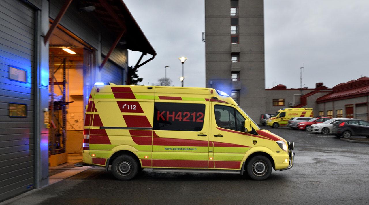 pelastuslaitoksen ambulanssi