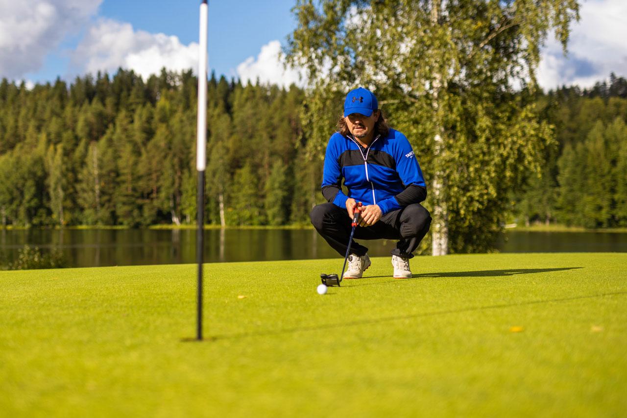 Jaakko Turtiainen golfkentällä