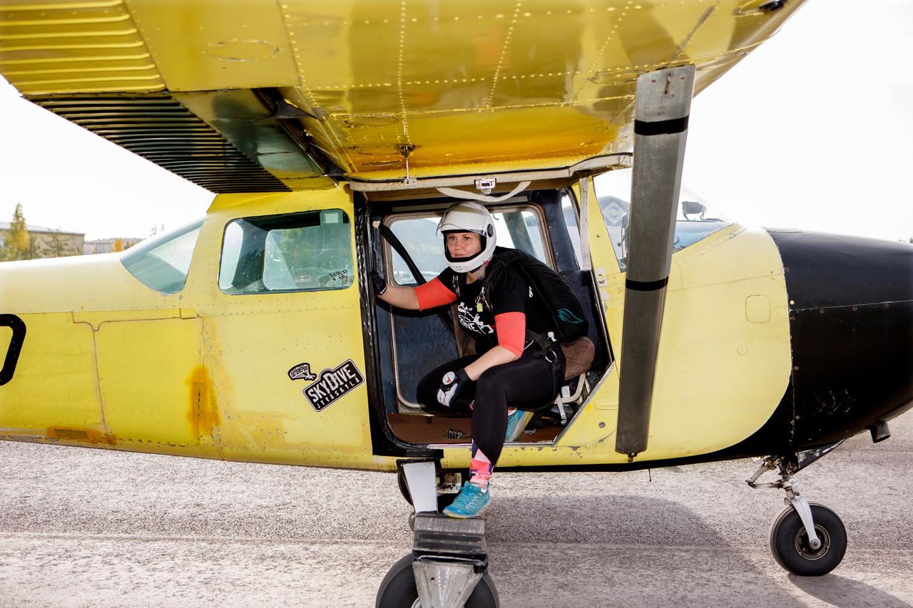 Cessna 182 -kone ja Terhi Lehtonen