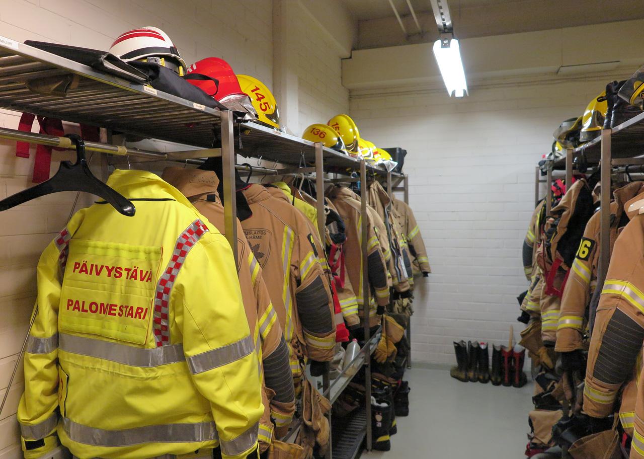 palomiesten suojapukuja
