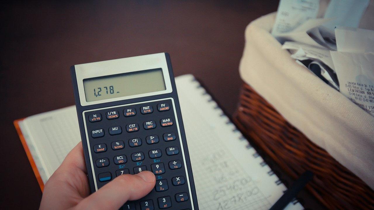 taskulasin ja budjettikirja