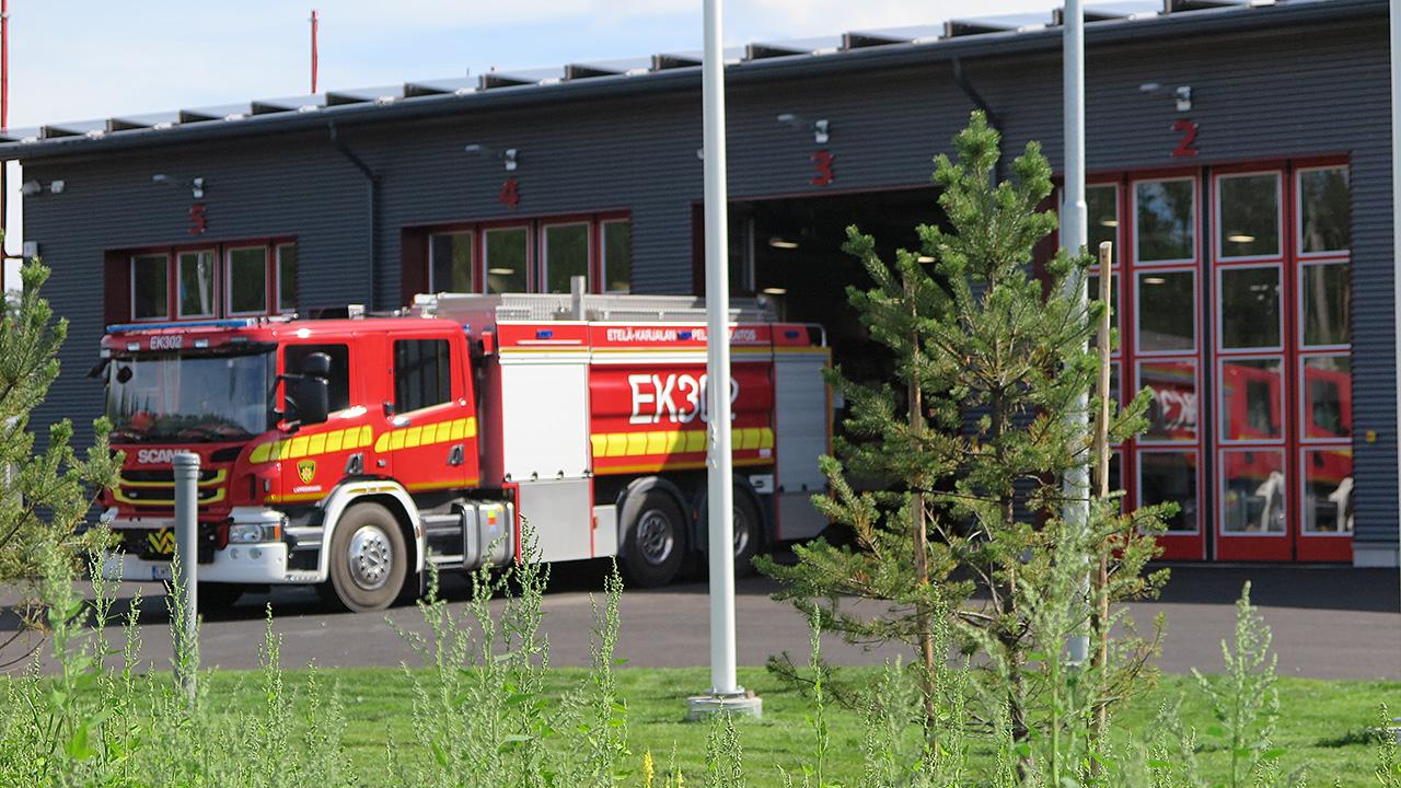 paloauto ajaa tallista