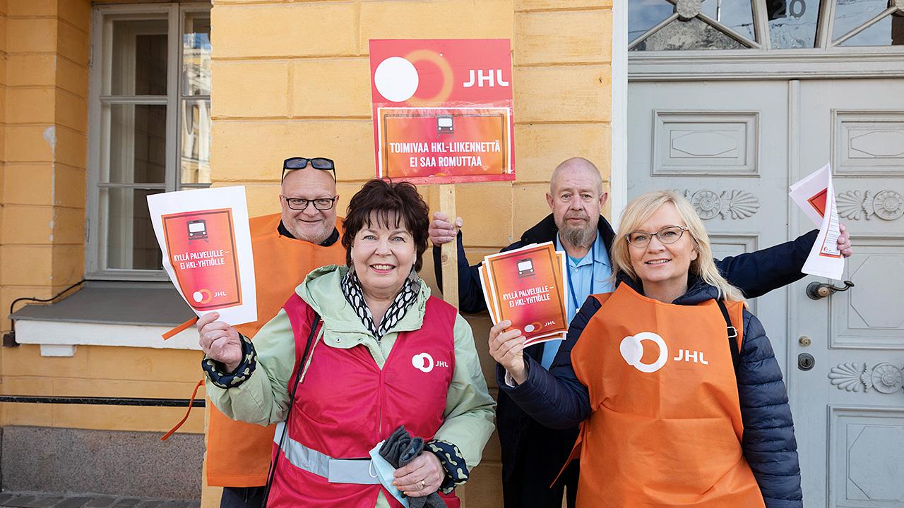 JHL:n johto ja pääluottamusmies Pekka Hirvonen
